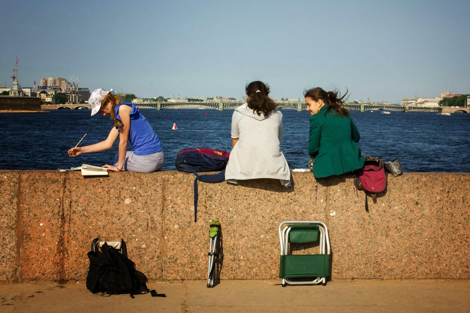 Санкт-Петербург, Россия, Три девицы