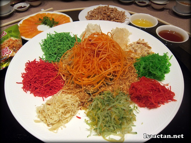 #1 Beautifully laid out Prosperity Yee Sang with Salmon Fish and Crispy Fish Fritters