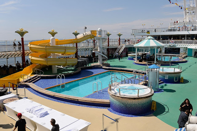 Pool Area aboard the Norwegian Pearl