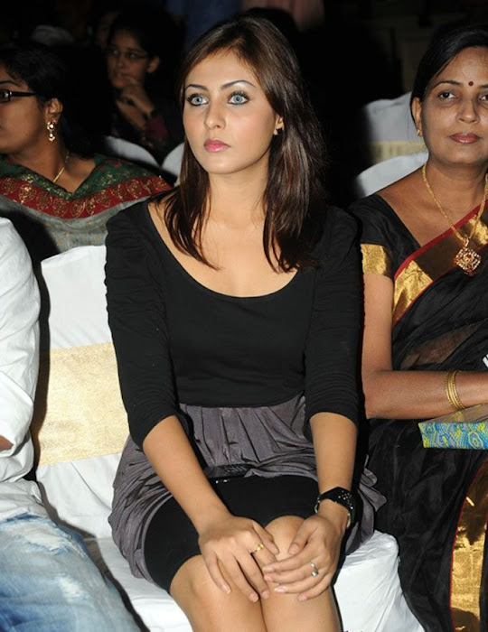 madhu shalini new fashion looks actress pics
