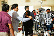 Race Gurram Movie Working Stills-thumbnail-4