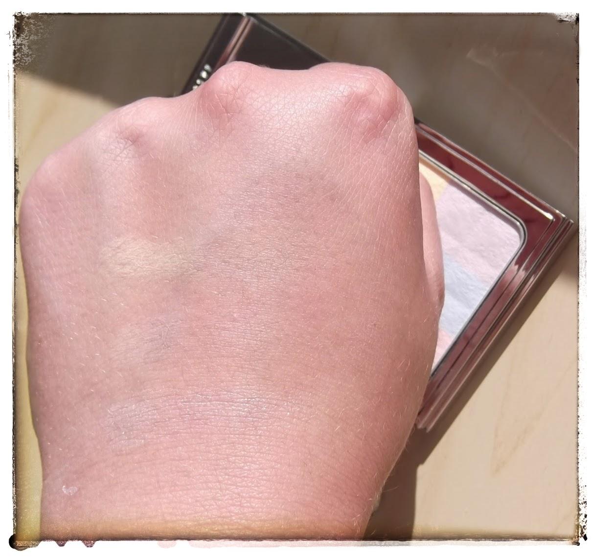 Bobbi brown brightening finishing powder porcelain pearl compact swatch