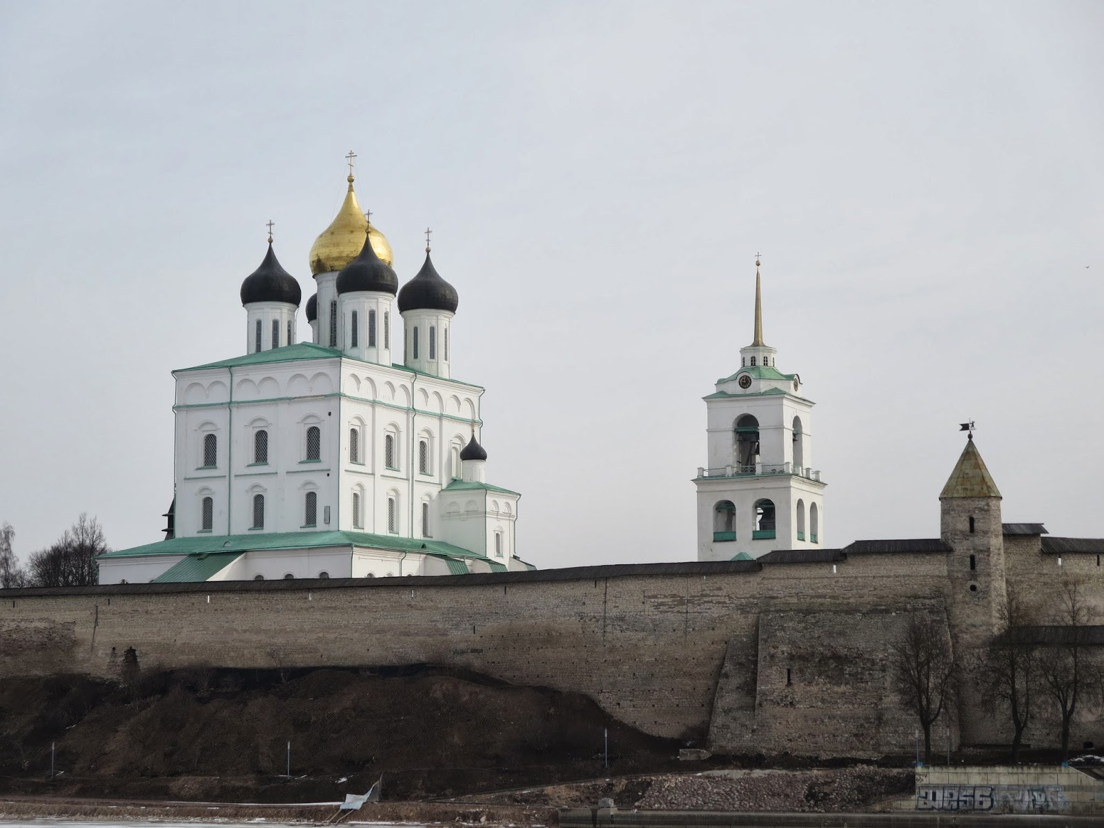 Theaters of Pskov: where to go