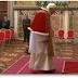 El Papa renuncia por 'falta de fuerzas', al pontificado.
