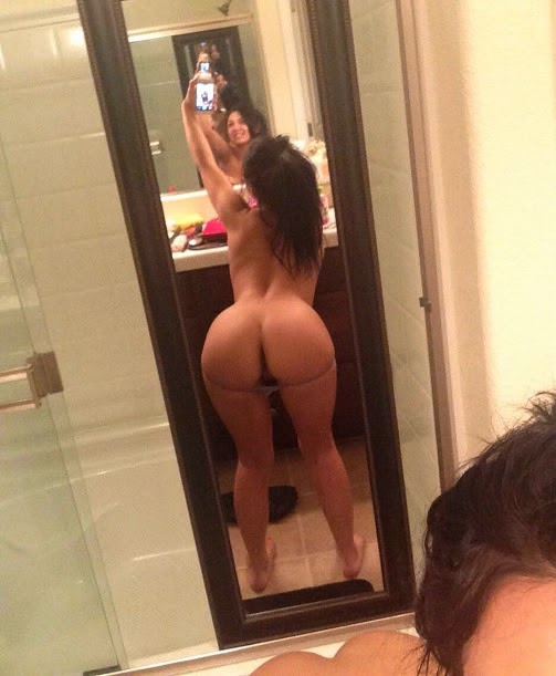 Hot white girl ass selfie