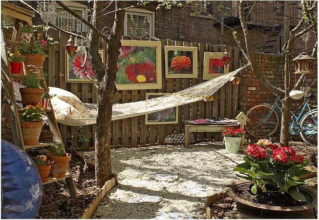 grades madeira jardim: cerca do jardim, hehehe! Que espaço delicioso pra relaxar