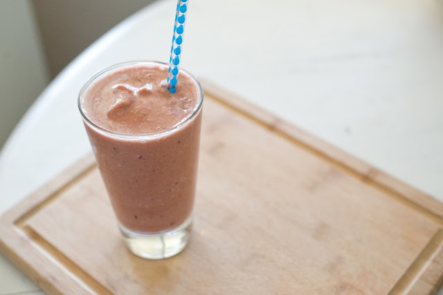 Easy and delicious Crystal Light, non-fat Greek yogurt, fruit and spinach smoothie