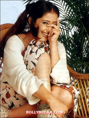 Manisha sitting and laughing - (4) - Manisha Koirala photo update