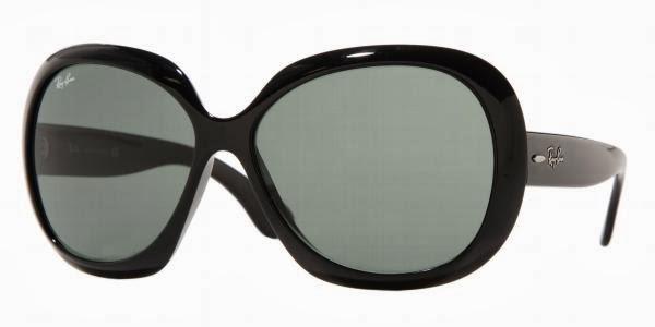 ... Jacqueline Kennedy Onassis nos anos 60 e pela nossa Papisa da moda  Costanza Pascolato. O mais desejado entre as mulheres é imponente com as  suas lentes ... 90d25f6fe1