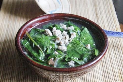 Minced Pork with Asia Spinach Soup - Canh Thịt Nạc Xay Rau Mồng Tơi