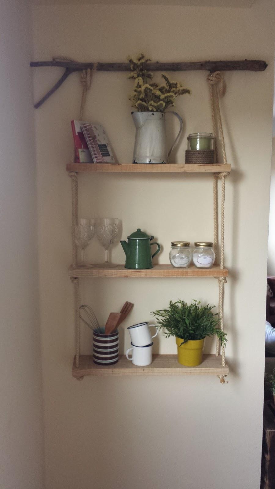 Mibarquitodepalet estanter a de madera y cuerda - Como hacer estanterias de madera ...