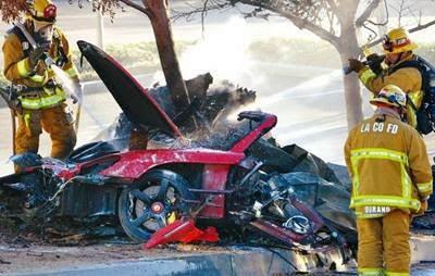 Foto Mobil Paul Walker Setelah Kecelakaan