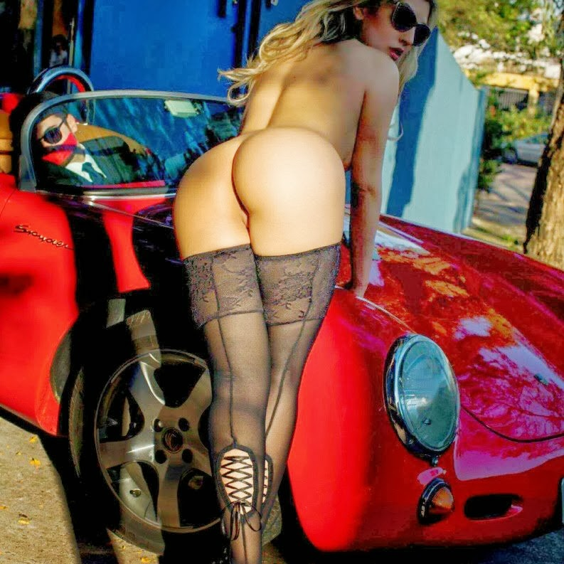hot naked images of pietra