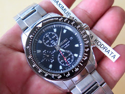 SEIKO CHRONOGRAPH QUARTZ BLACK DIAL