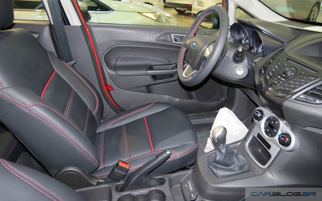 Ford New Fiesta Sport 2016 - interior