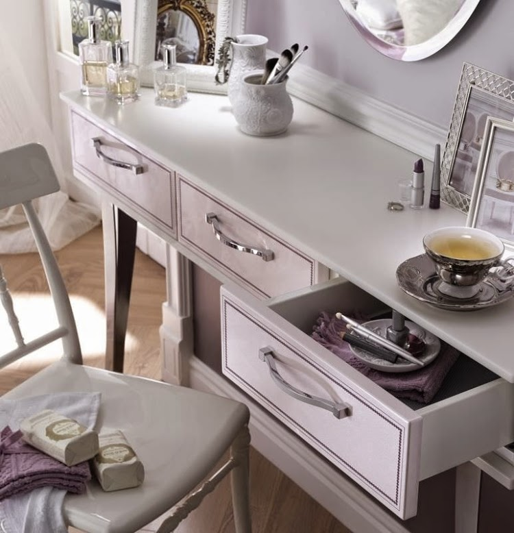 Catchy ideas for functional dressing table designs with for Womens dressing table