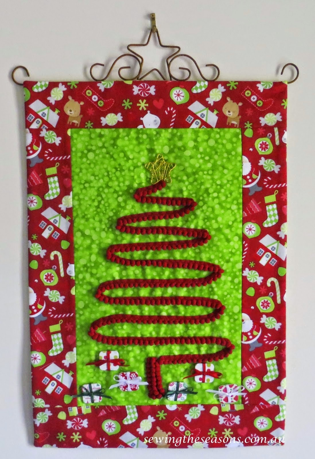 http://www.sewingtheseasons.com.au/2014/11/all-wrapped-up-christmas-hanging.html