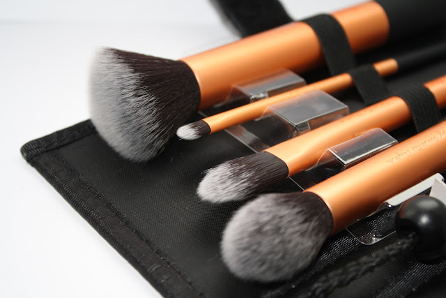 Real-Techniques-Core-Collection-brushes-Samantha-Chapman-review-blog-post