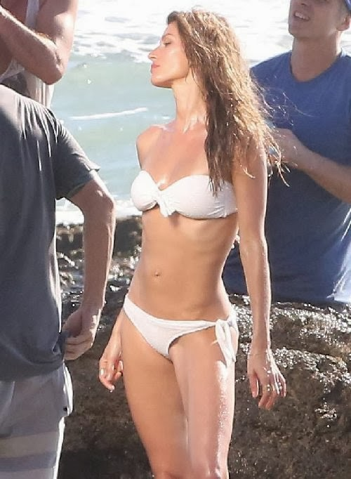 English:Gisele Bundchen Snake Bikini Costa Rica January 16, 2014