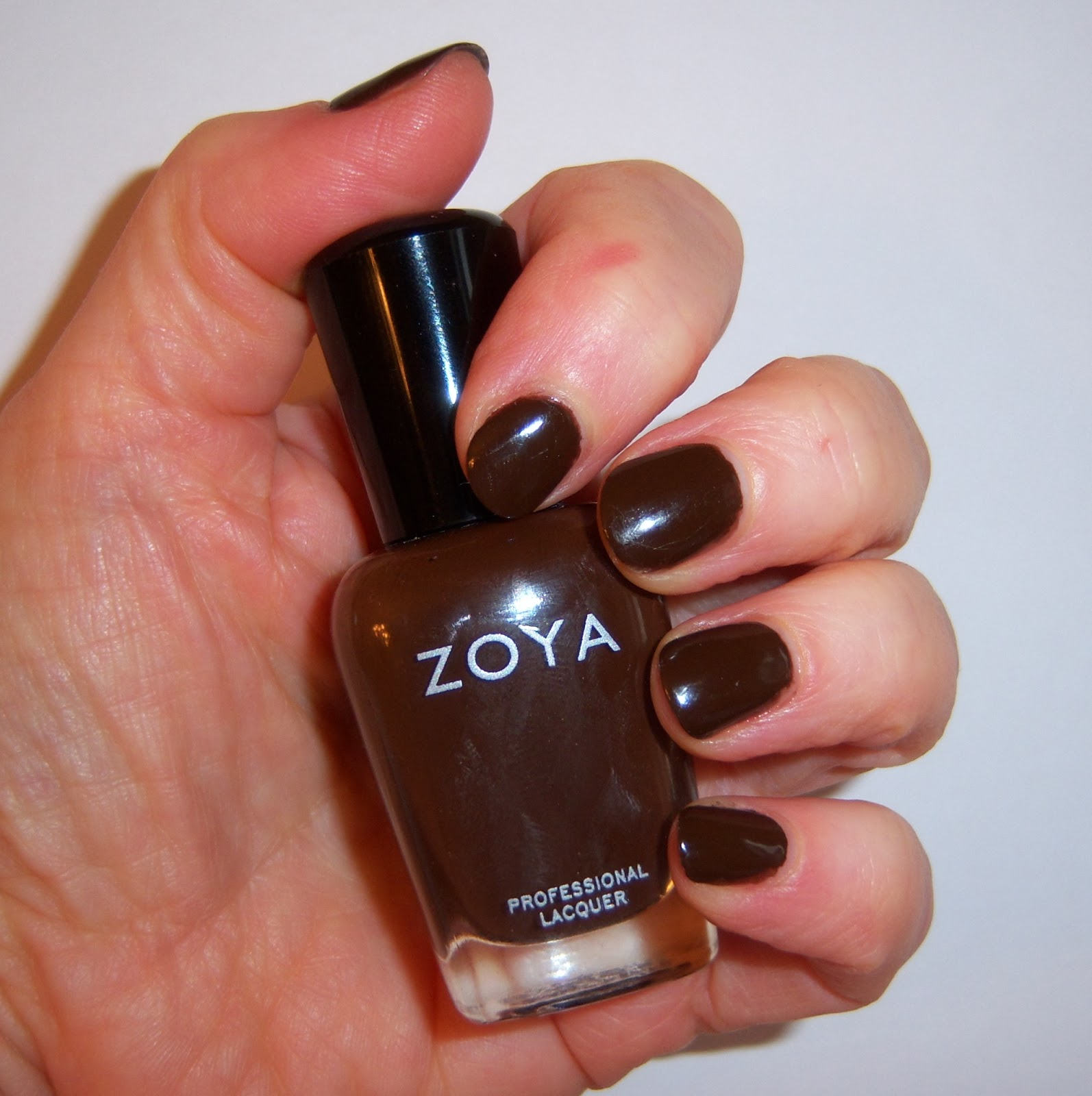 A Colourful Canvas, Zoya Louise