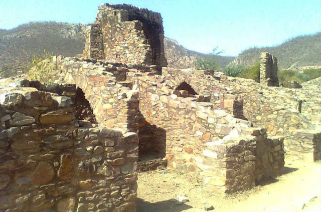 Bhangarh Fort destroyed due to curse of Tantrik