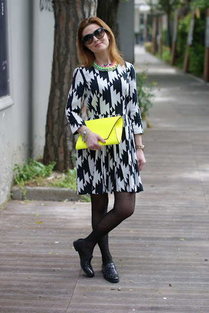 Asos black and white dress, Zara clutch, Fashion and Cookies