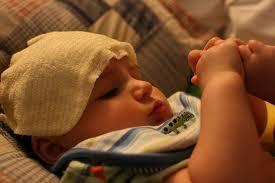 cara mengatasi bayi sakit panas