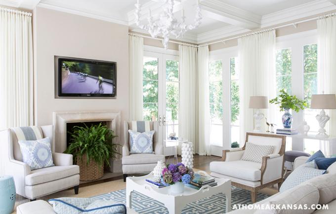 Decoraci n f cil una casa decorada en blanco con - Casas decoradas en blanco ...