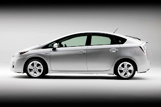 Toyota Prius Hybrit Car Side View HD Wallpaper