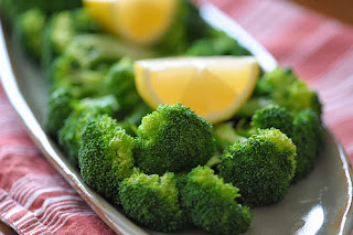 http://www.cookthink.com/recipe/10572/Steamed_Broccoli_With_Lemon_And_Olive_Oil