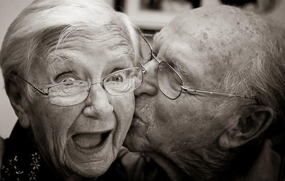 Ảnh đẹp về tình yêu tuổi già