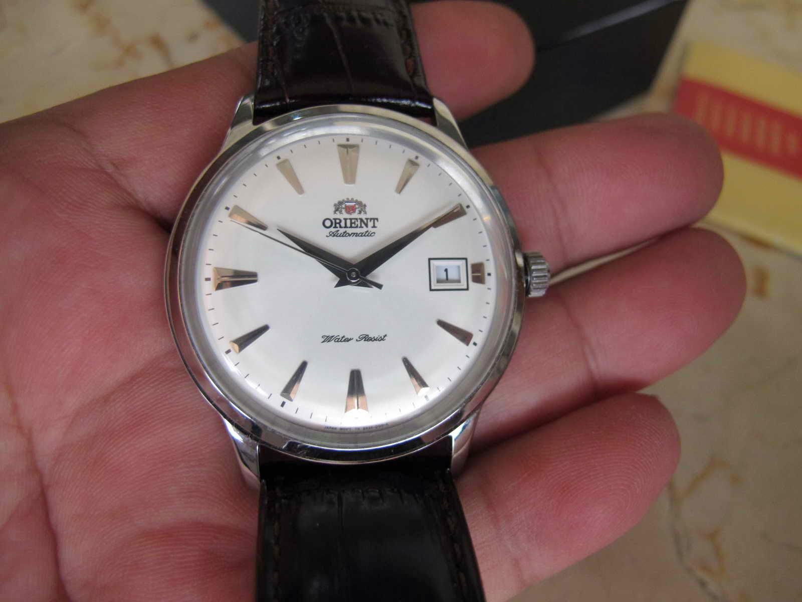 Kondisi jam tangan ORIENT BAMBINO WHITE DIAL ini used namun kondisi Mints mulus lengkap dengan box manual dan warranty card