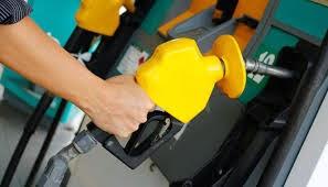 Harga Minyak Petrol Dan Diesel Dijangka Turun