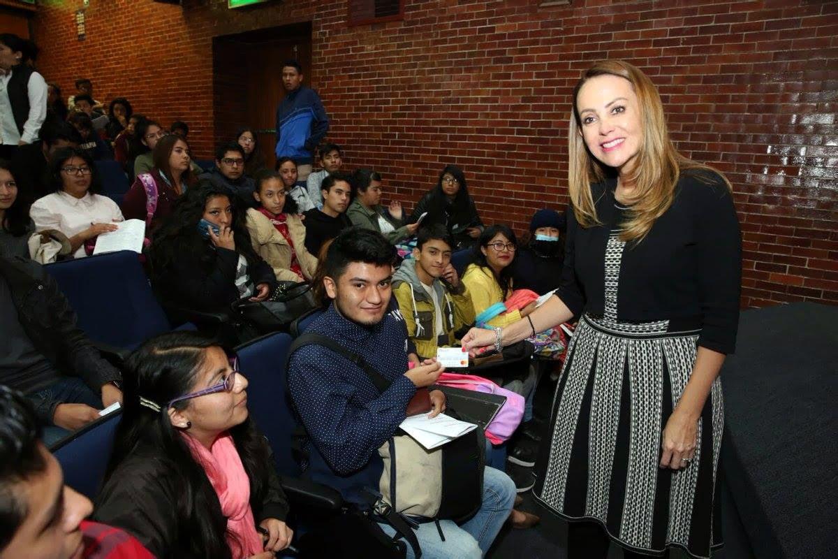 Entrega de becas PROSPERA para Educación Superior