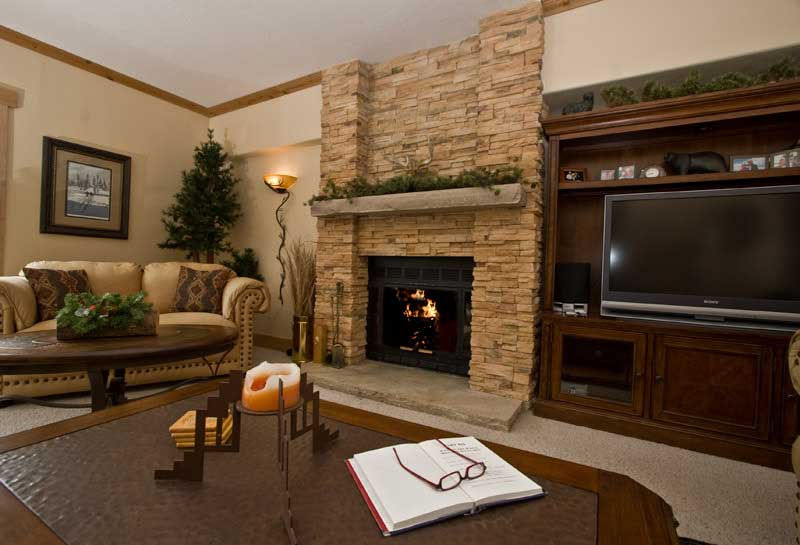 Fireplace decorating july 2012 for Ideas for living rooms with fireplaces
