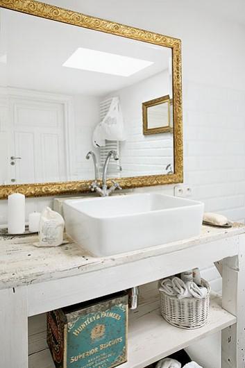 Dorado en el baño