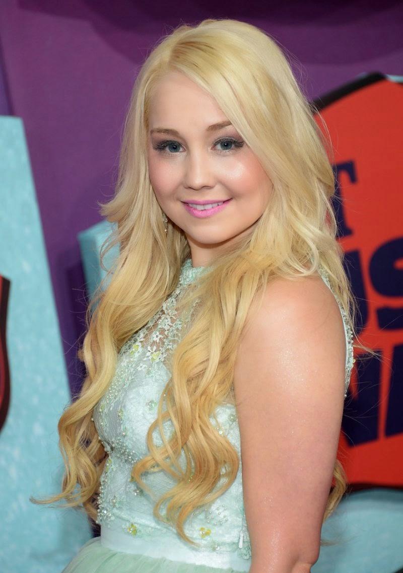 RaeLynn in cute frock 2014 CMT Music Awards in Nashville ...