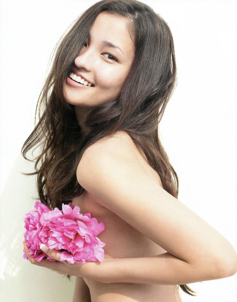 Meisa Kuroki 14 Jennifer Aniston Bikini Pics