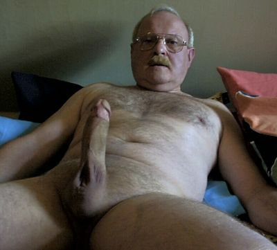 Loves to suck uncut pointed dicks