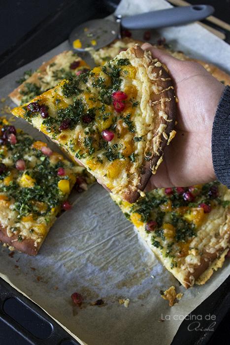 caramelized-pumpkin-kale-pizza-pomegranate-cranberries-sauce