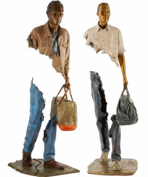 07-French-Artist-Bruno-Catalano-Bronze-Sculptures-Les Voyageurs-The-Travellers-www-designstack-co