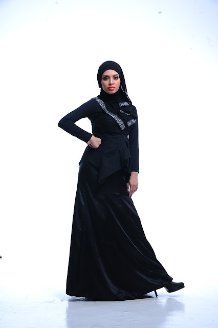 Online entrepreneur Adibah photoshoot by Hafiz Atan