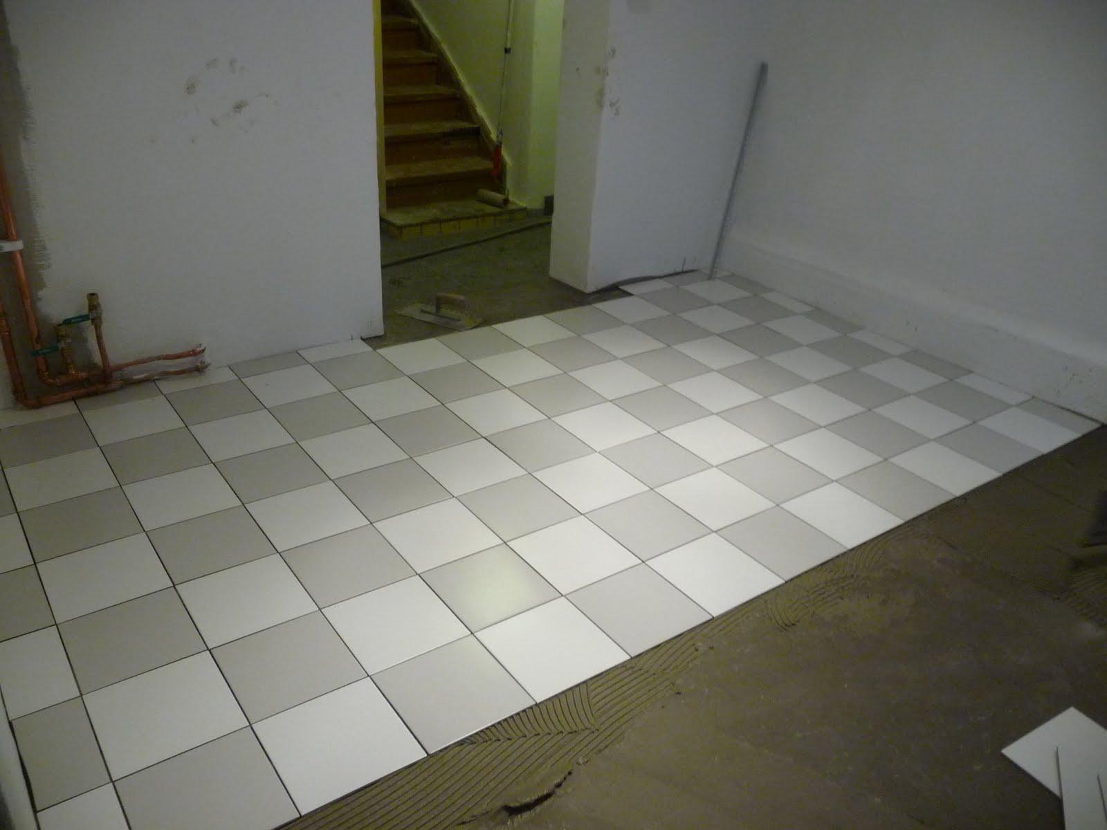 Rutigt golv badrum ~ xellen.com