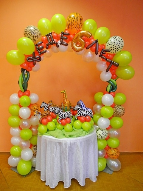 Jungle Safari Balloon Decor
