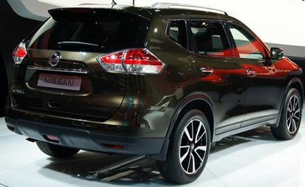 Cars Specs 2015 Nissan X Trail Hybrid Profile