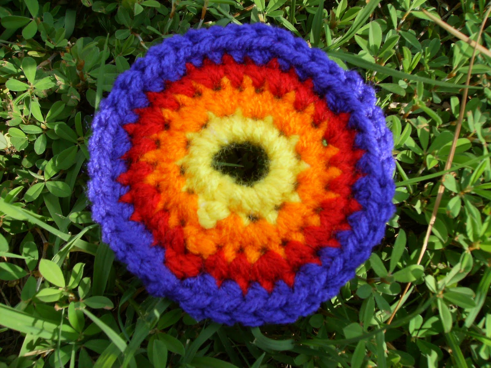 Free Crochet Yarn : Scrap Yarn Crochet: Free Crazy Circle Crochet Pattern
