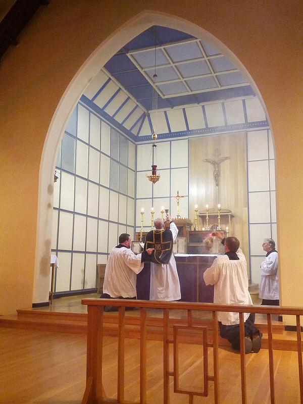 CATHOLICVS: Santa Misa de R�quiem por el d�a de los difuntos en el ...