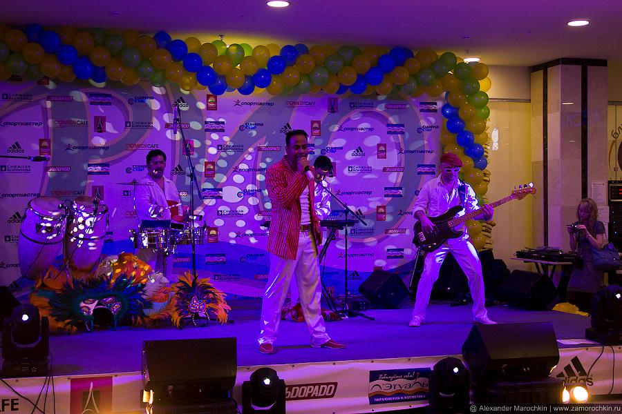 SalsaBoys Show Latino