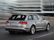 Audi RS4 Avant Photo Wallpaper