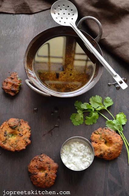 Sirukeerai Vadai (Amaranthus Bengal Gram Fritters)